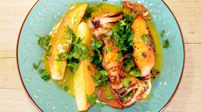 Καλαμάρια γεμιστά με γραβιέρα σε λαδόκολλα στον φούρνο με λαδολέμονο