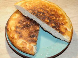 Εύκολο και νόστιμο ψωμί στο τηγάνι