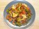 Σαλάτα με μαυρομάτικα φασόλια και λαχανικά