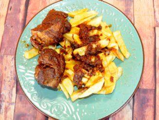 Μοσχάρι με πατάτες τηγανητές
