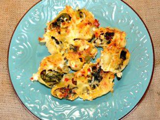 Ζυμαρικά γεμιστά με σπανάκι και τυριά
