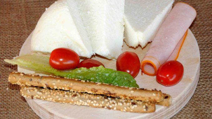 Χειροποίητο Λευκό Τυρί